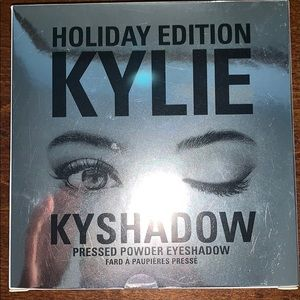 2016 Kylie Cosmetics Holiday Palette